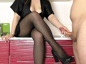 Lay Teen Step Sis Hadnjob and Cum on Her Pantyhose