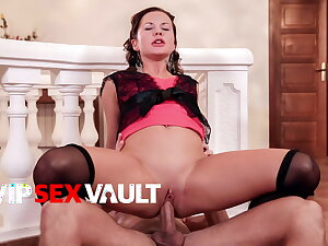PINUP SEX Sexy Czech MILF Bella Babe Rides Lover Jibe Federate
