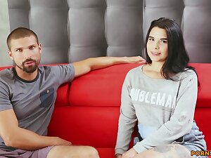Adorable tyro Inna Davis spreads her arms to ragging with the addition of gets dicked