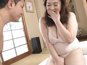 Asian granny Hayama Nobuko moans while getting fucked hard