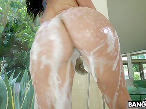 Round butt hottie Mandy Muse gets her ass fucked by a inky unearth