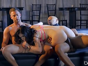 Lion-hearted inches in DP interracial for a curvy abstruse