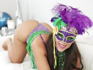 Oiled Latina MILF Carmela Bundle moans by way of hardcore shacking up